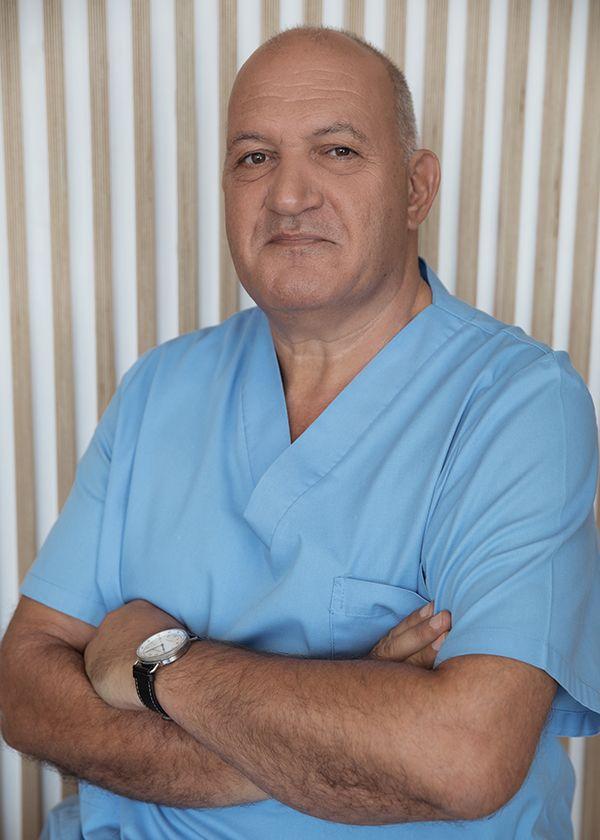 Dr. Carlos Boné
