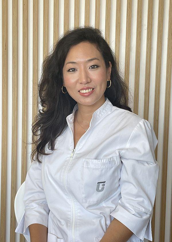 dra. Monica Sochi Kim Son